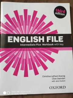 English file intermediate plus. Student's book and workbook
